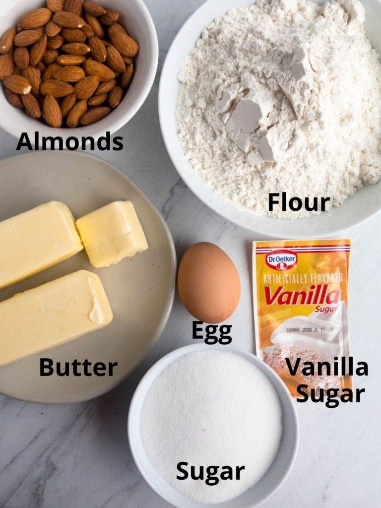 Ingredients for Vanillekipferl, flour, almonds, butter, egg, sugar, vanilla sugar
