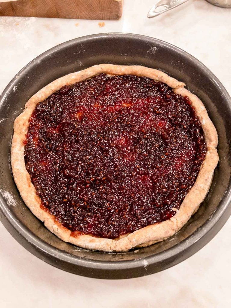 Jam in base of the Linzer torte