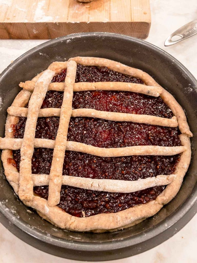 Second layer of lattice on the linzer torte