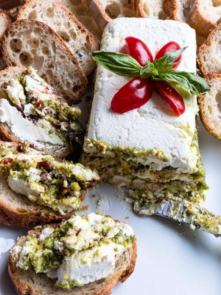 Pesto spread, pesto spread on bread slices